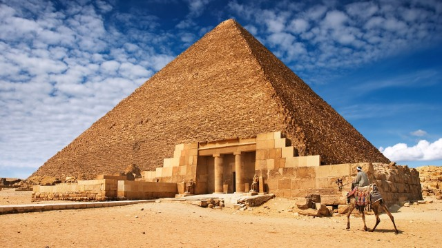 Top 9 Bizarre Theories About the Origin and Purpose of the Pyramids